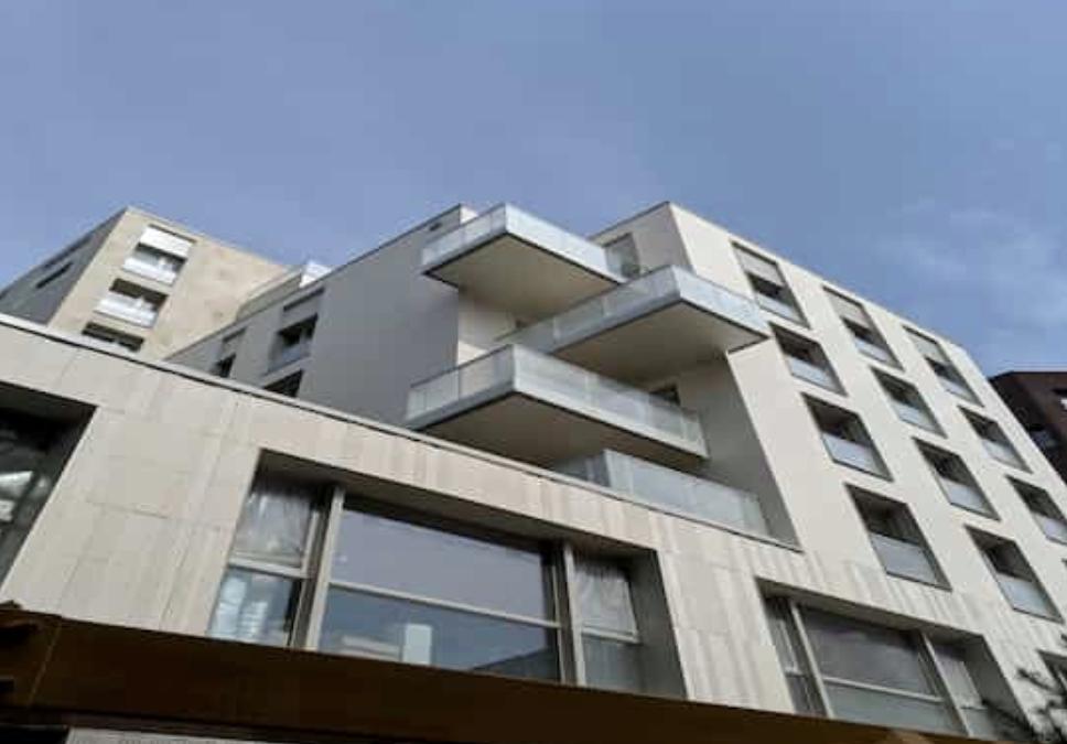 immeuble neuf cubique